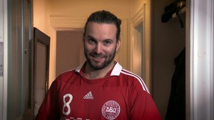 Skuespiller Jon Lange som Søren, der giver sin mening om dansk udviklingsbistand